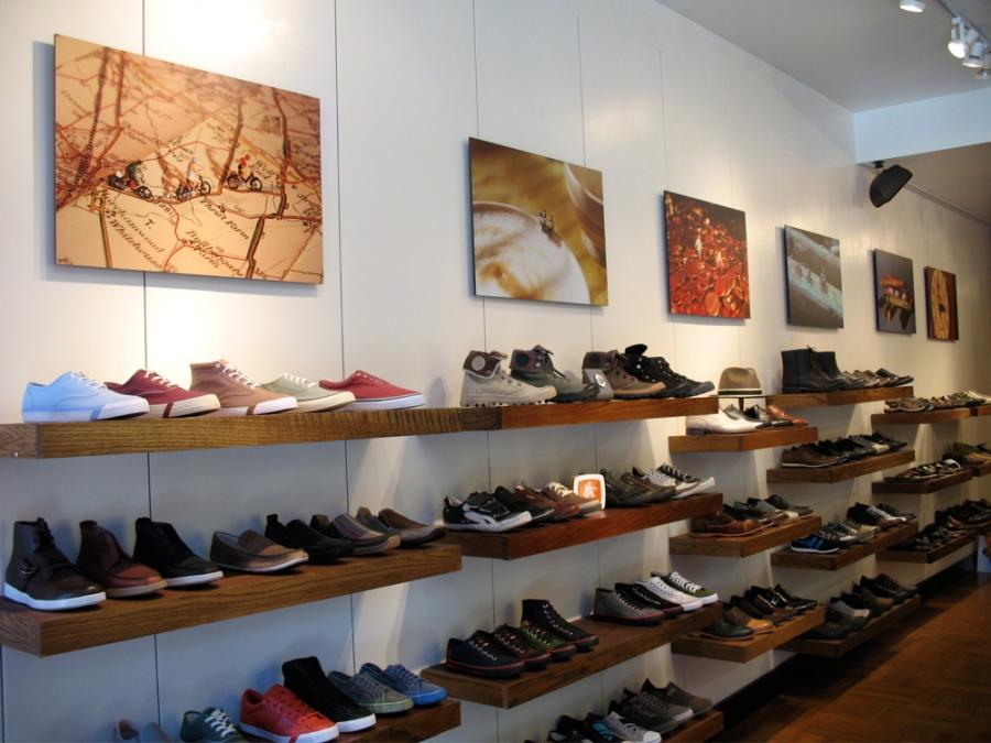 DeLaSole.  Shoes and art.